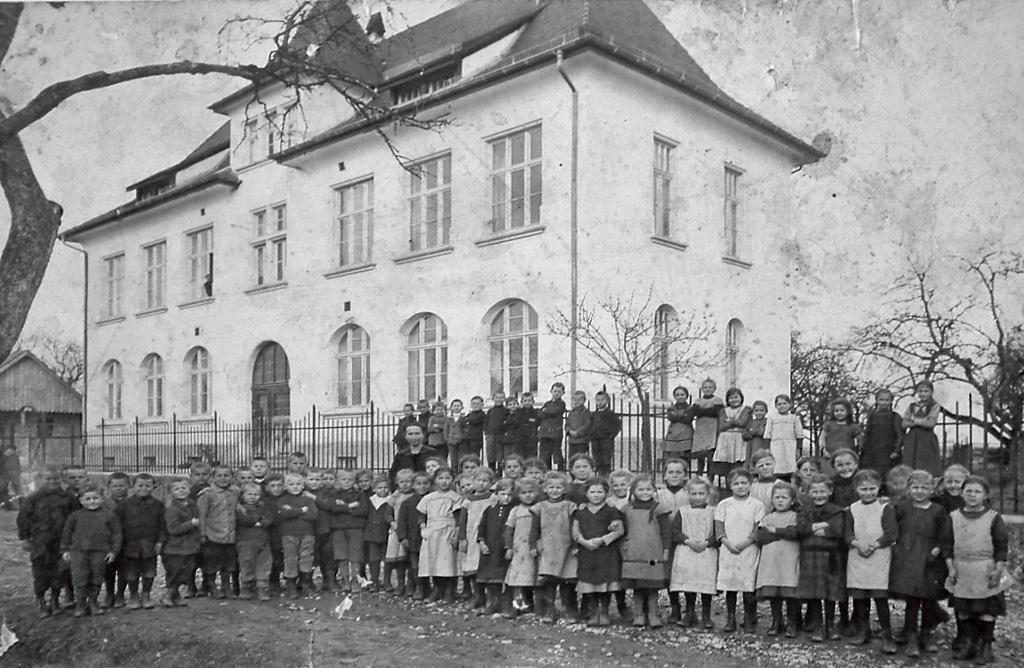 Altes Schulhaus Kehlen Kinder