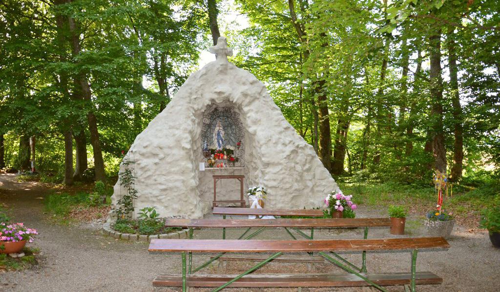 Wegkreuze in Gunzenhaus lourdes grotte